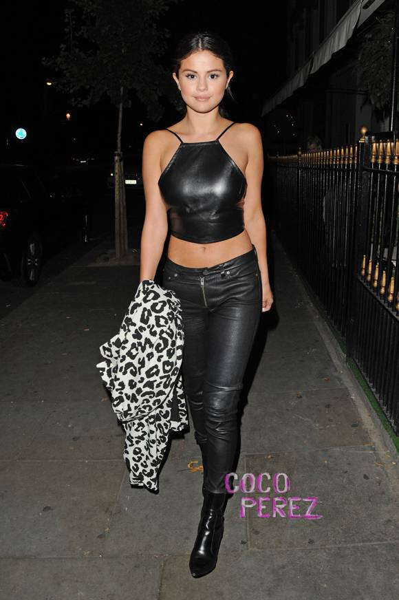 selena-gomez-nasty-gal-london-street-style__oPt