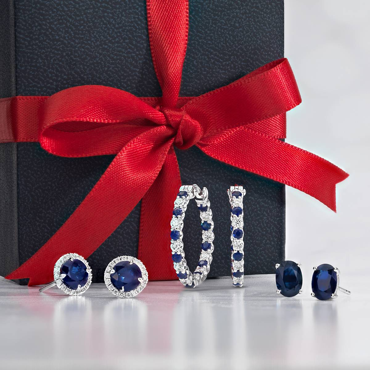 Simple Giving, Simple Living w/ Blue Nile Diamonds